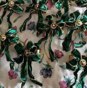 Other - Set of 10 Beautiful Green and Gold Napkin Rings